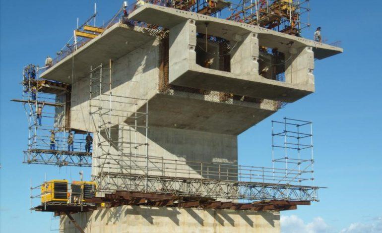 Balanço sucessivo, içamento de aduelas, escoramento e outras soluções ROHR para construção de ponte em Sergipe